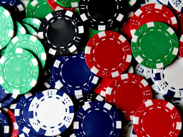 What are the gambling games provided by judicasino?