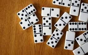 Trustworthy two sides' poker with situs Judi domino qui qui