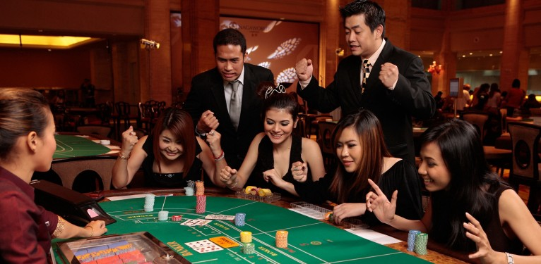 Benefits you should know in Playing Online Slots